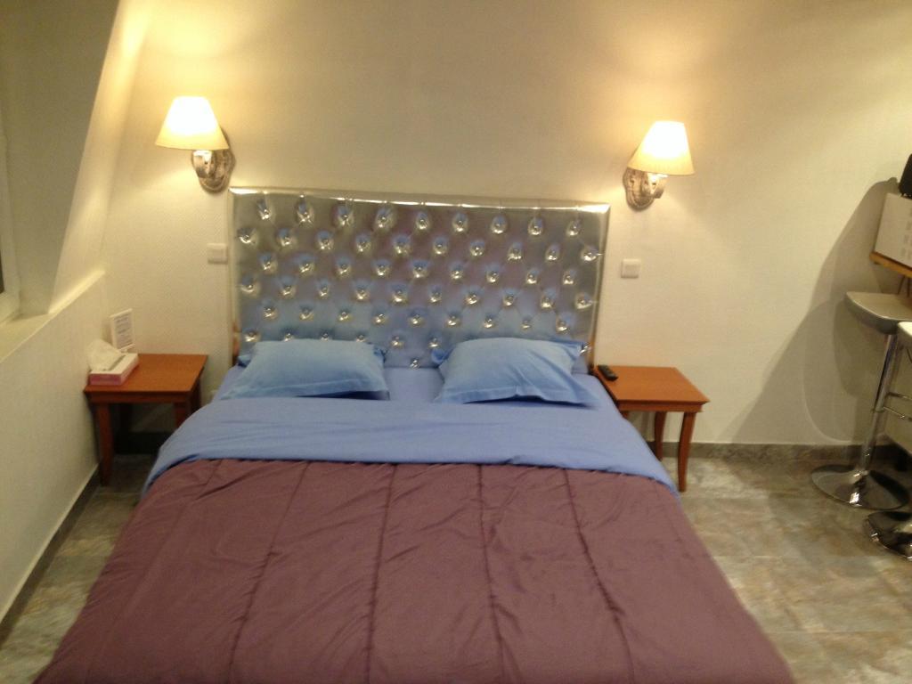 Karraz Hotel