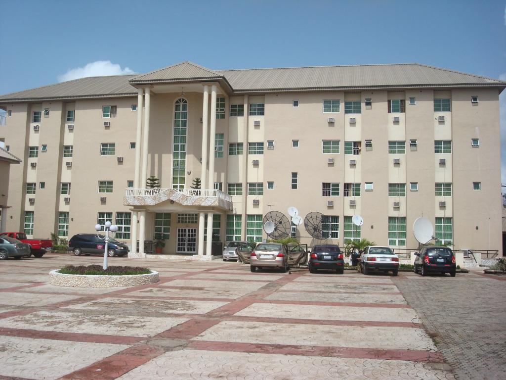 Vichi Gates Hotel and Suites
