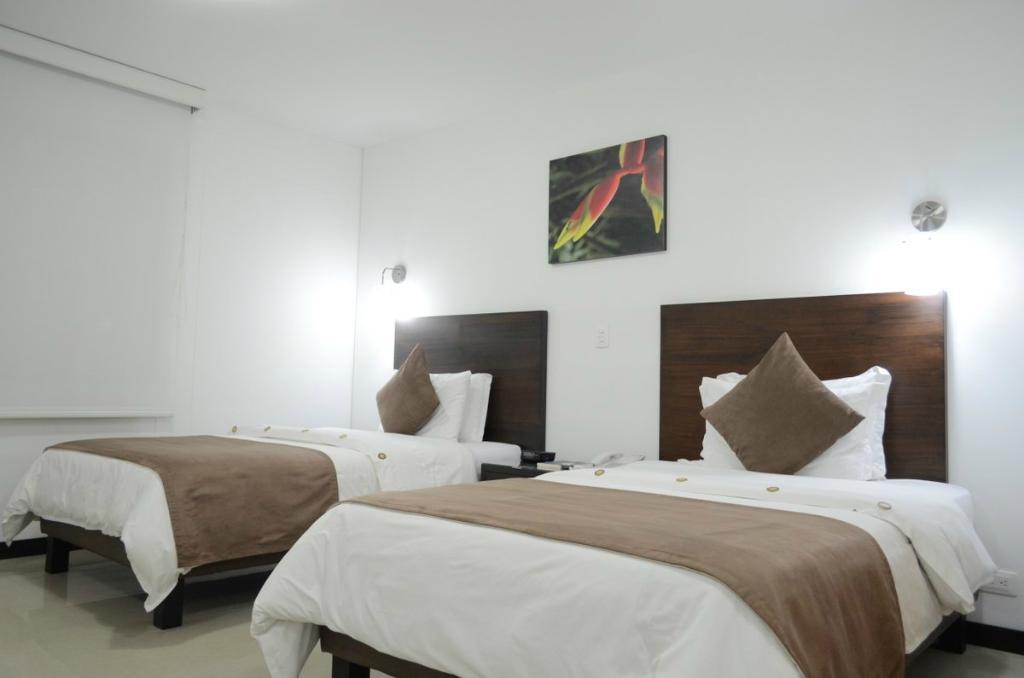 Hotel Pinares Plaza