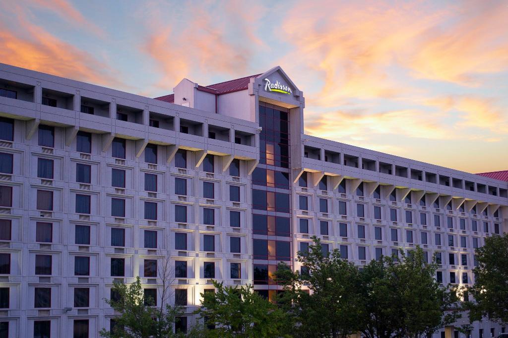 래디슨 호텔 브랜손