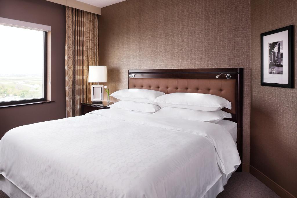 Sheraton Chicago O'Hare Hotel