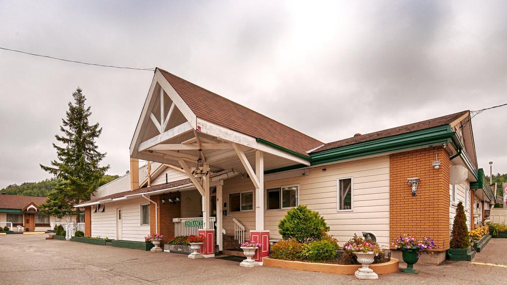Sword Motor Inn
