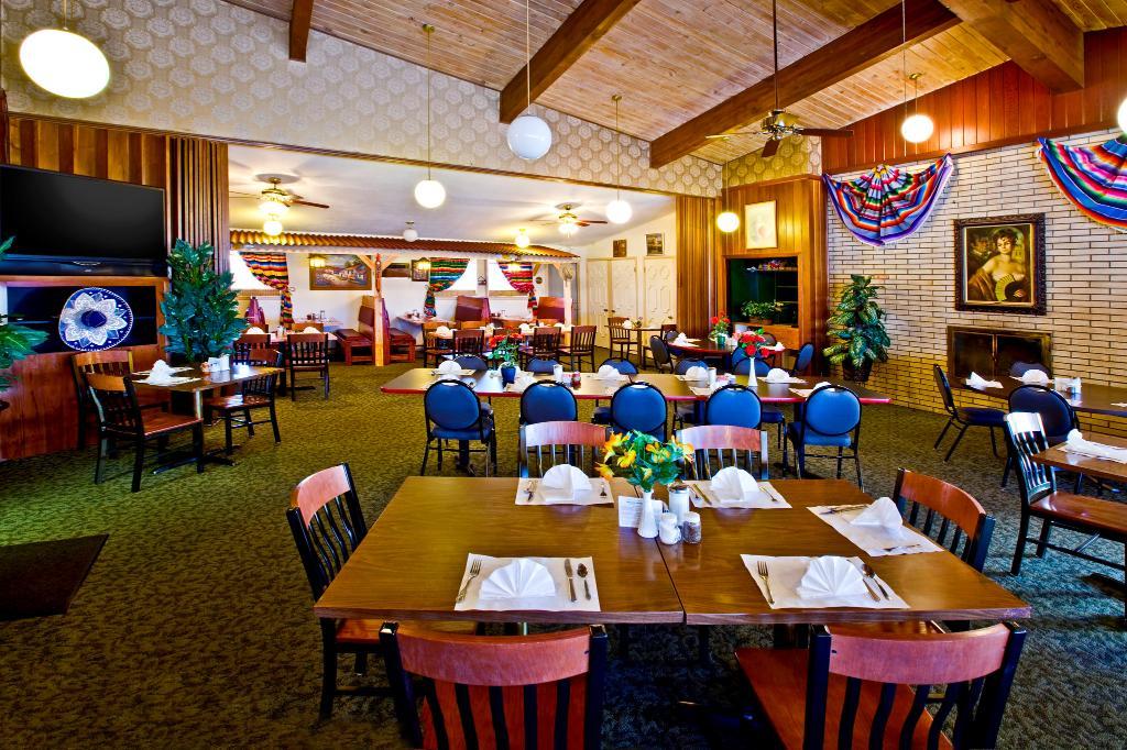Casa Lemus Inn & Restaurant