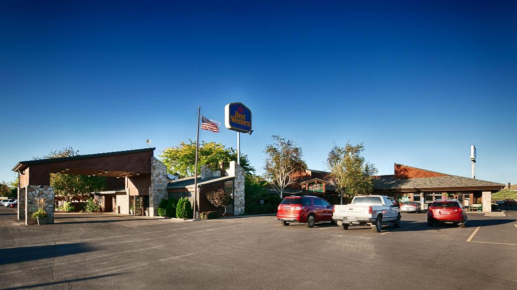 ‪BEST WESTERN Sunridge Inn‬