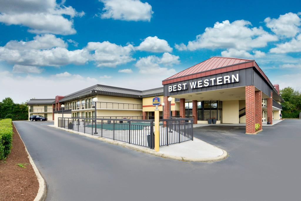 ‪BEST WESTERN Center Inn‬