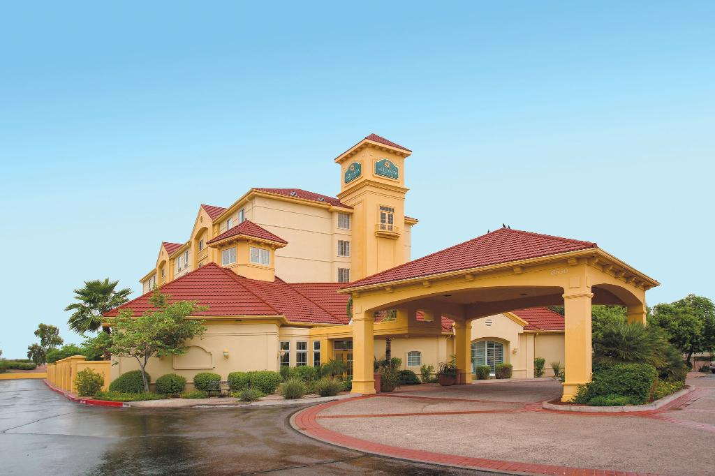 La Quinta Inn & Suites Mesa Superstition Springs