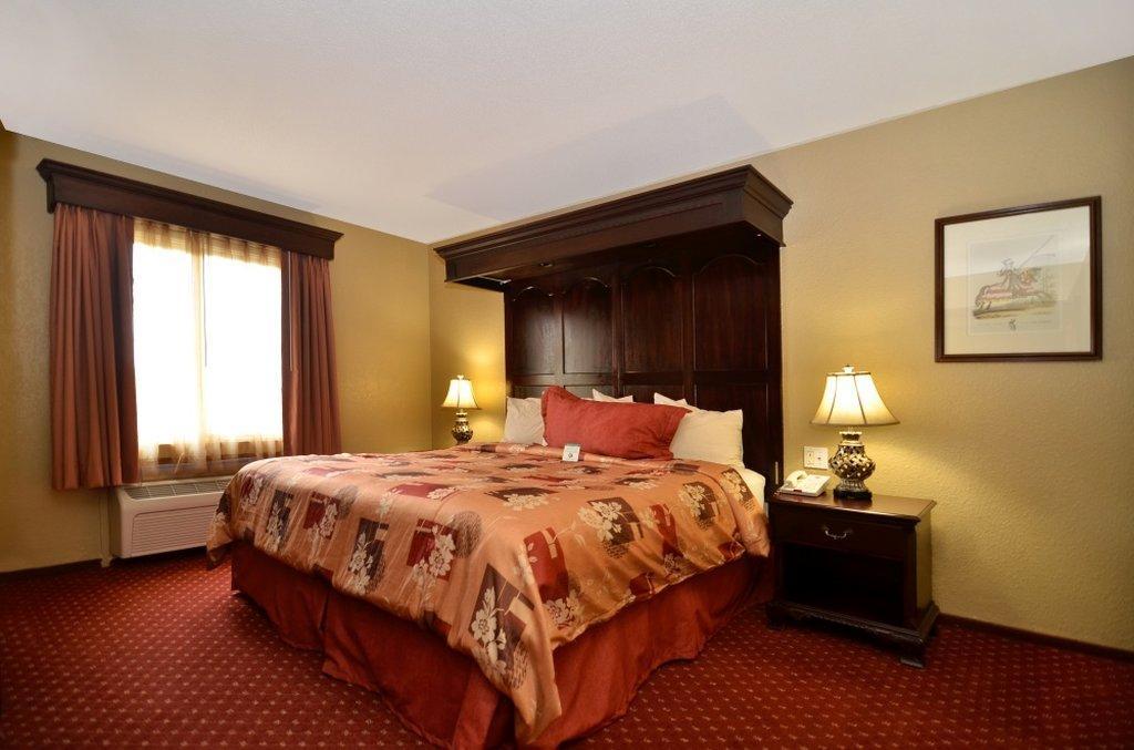 BEST WESTERN Cantebury Inn & Suites