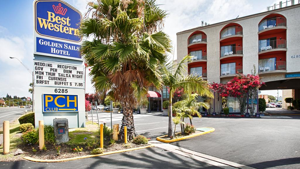 BEST WESTERN Golden Sails Hotel