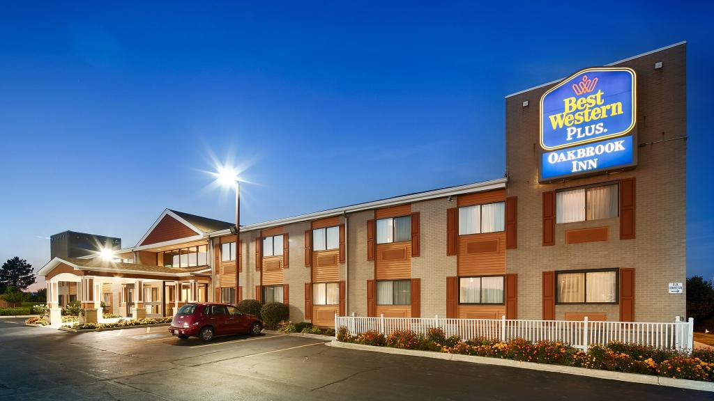 ‪BEST WESTERN PLUS Oakbrook Inn‬