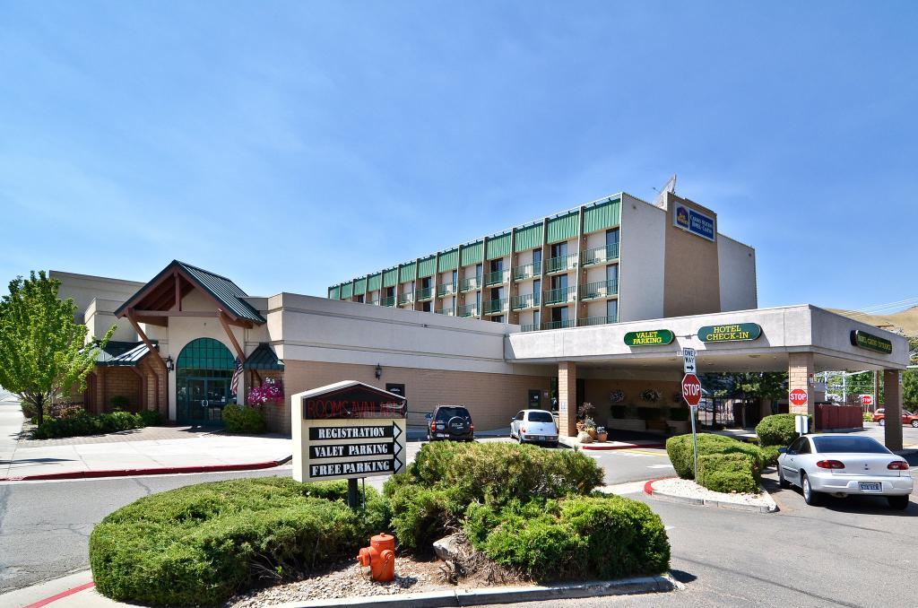 Wyndham Garden Carson Station Casino Hotel