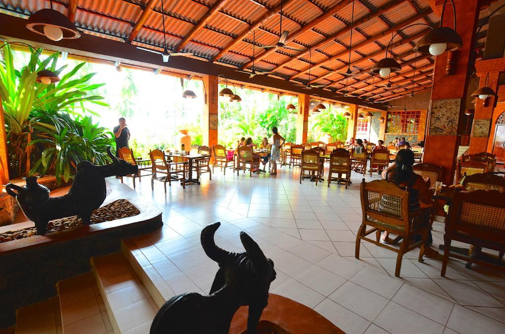 Eva Lanka Hotel