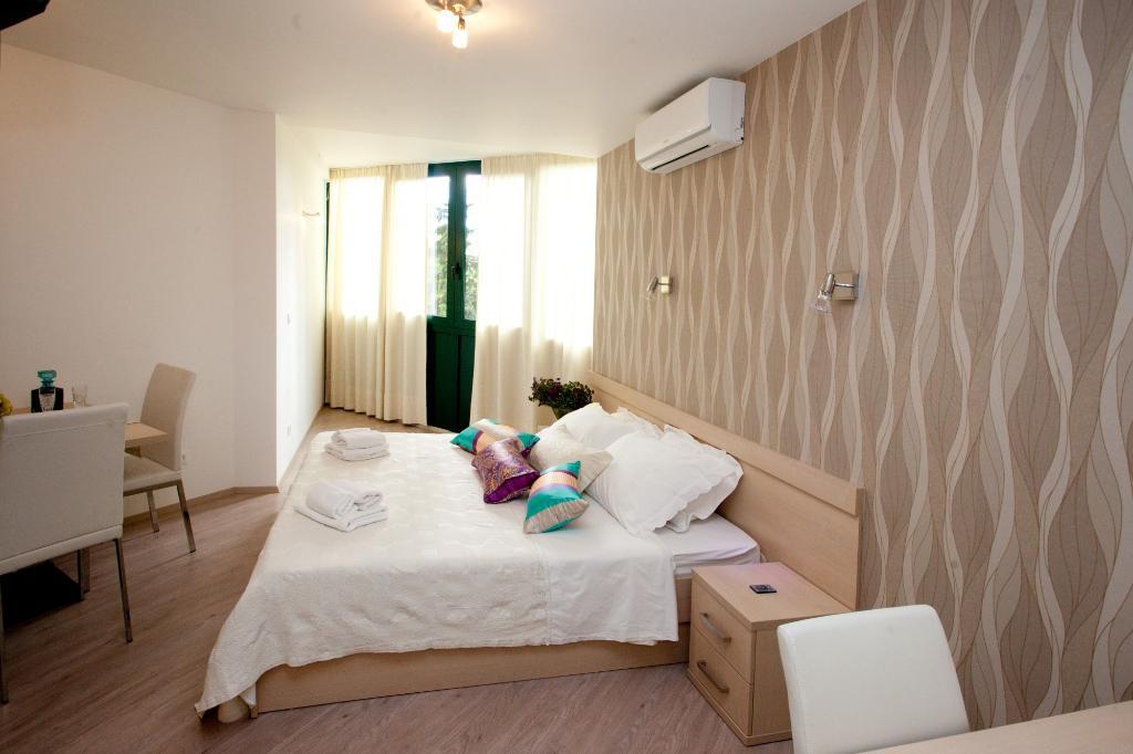 Emanuela & Emanuel Apartments