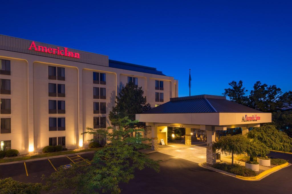 西麥迪遜阿美瑞辛套房旅館