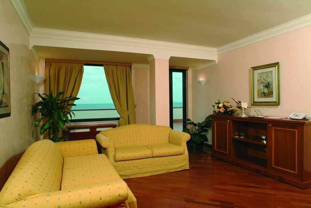 尼都諾酒店