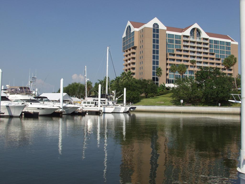 South Shore Harbour Resort and Conference Center