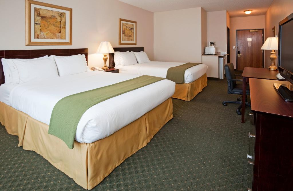 Holiday Inn Express Oshkosh-SR 41