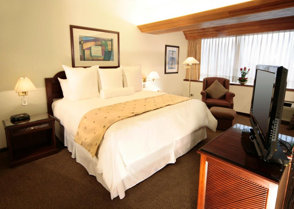 โรงแรมทันเดอเบิร์ดพาร์โด