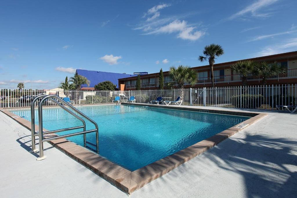 佛羅里達威爾伍德 6 號汽車旅館