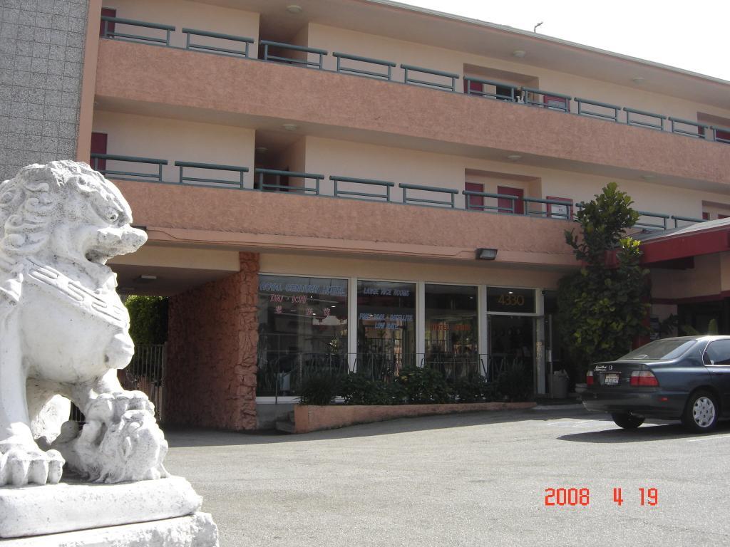 Royal Century Hotel