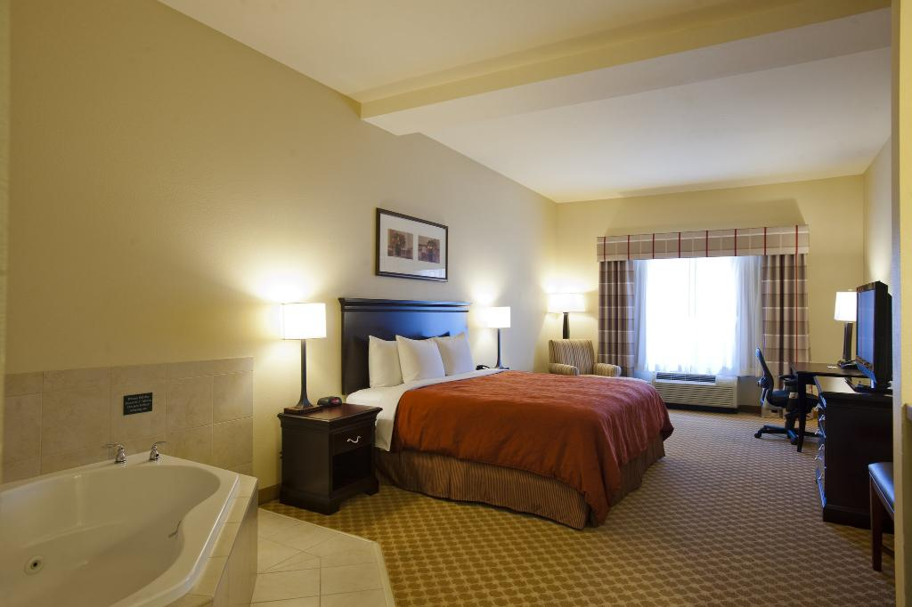 Country Inn & Suites By Carlson, Ontario at Ontario Mills