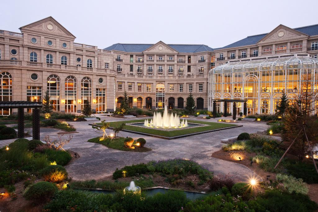 Tianjin Goldin Metropolitan Polo Club Hotel