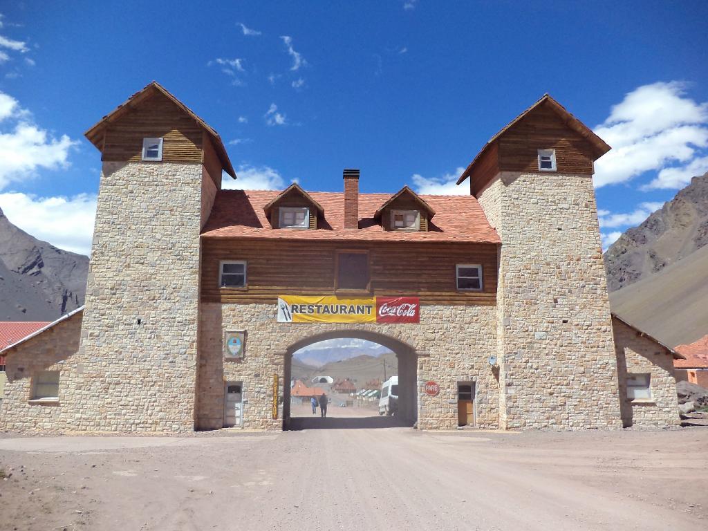 Arco de las Cuevas