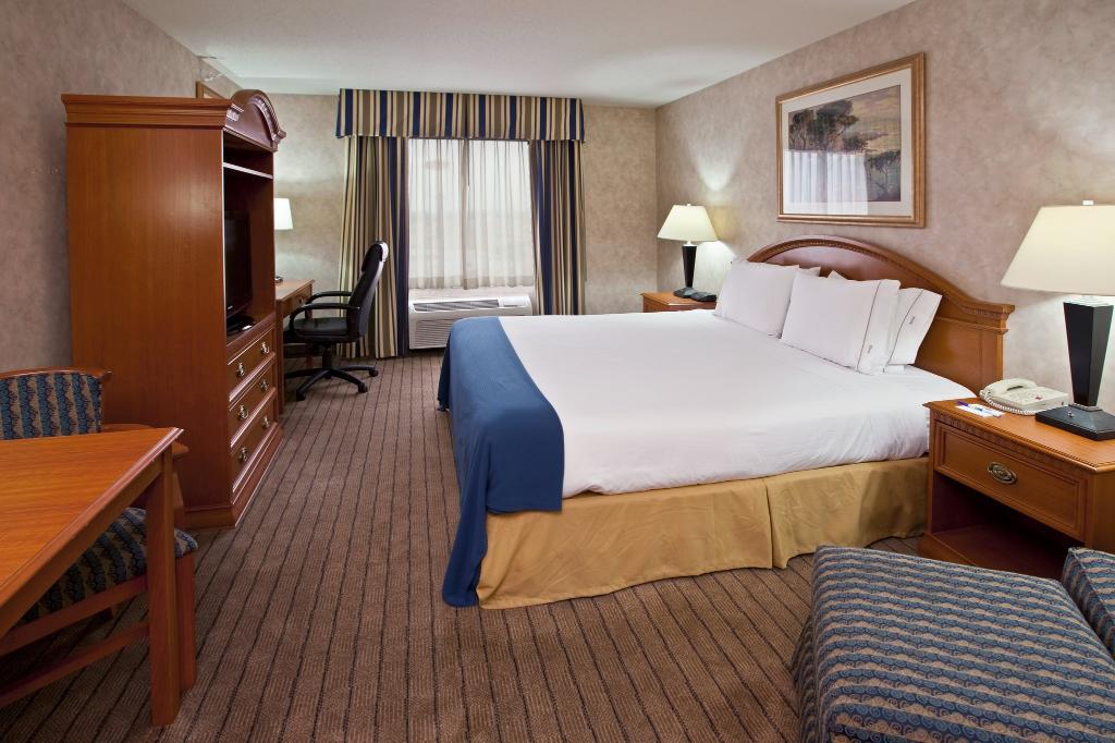 Holiday Inn Express Pontoon Beach