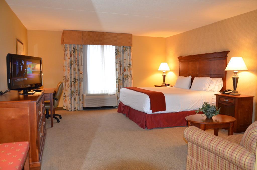 Holiday Inn Express Bloomington