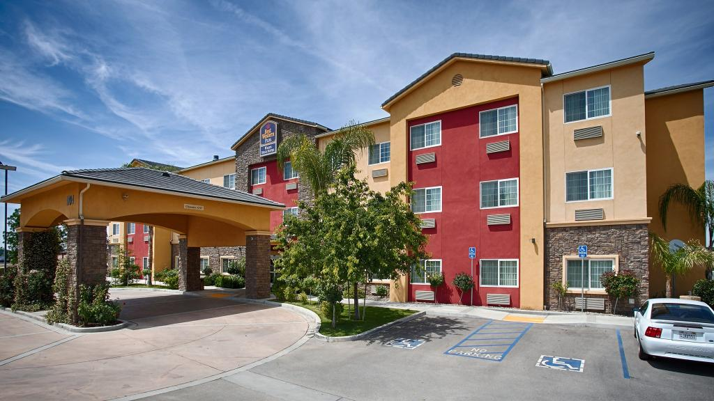 ‪BEST WESTERN PLUS Wasco Inn & Suites‬