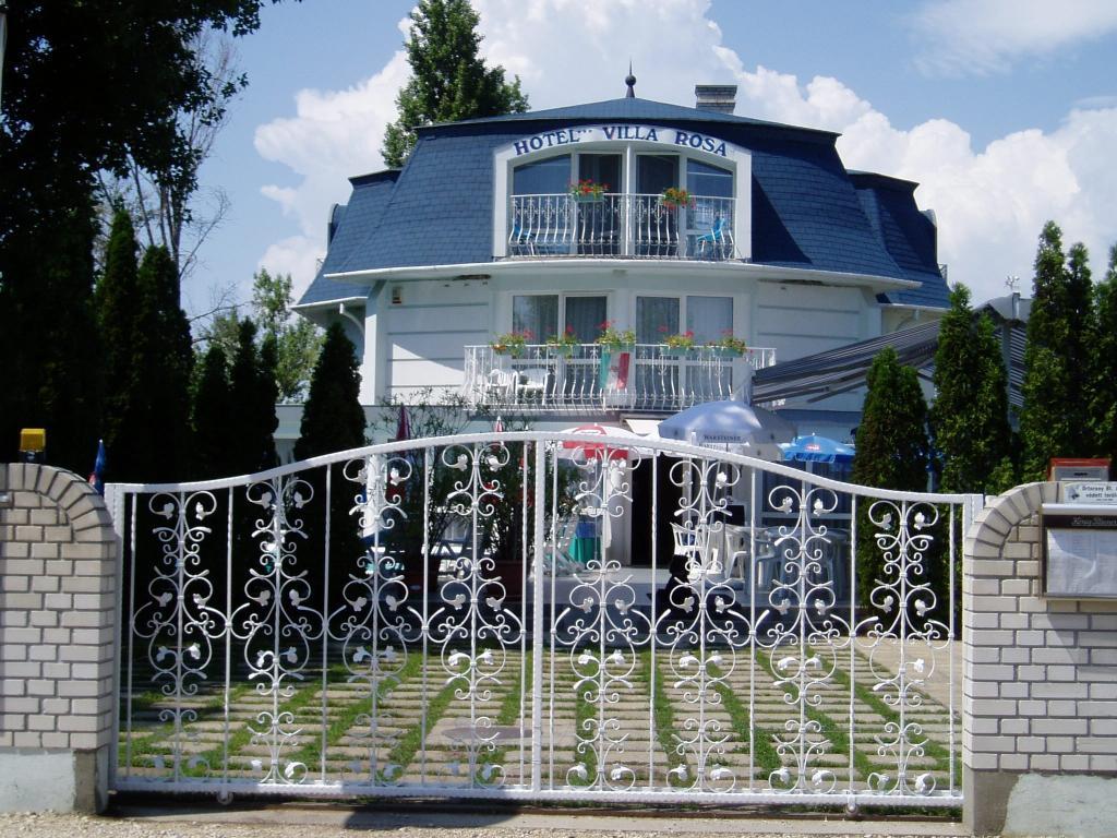 ヴィラ ローザ ホテル
