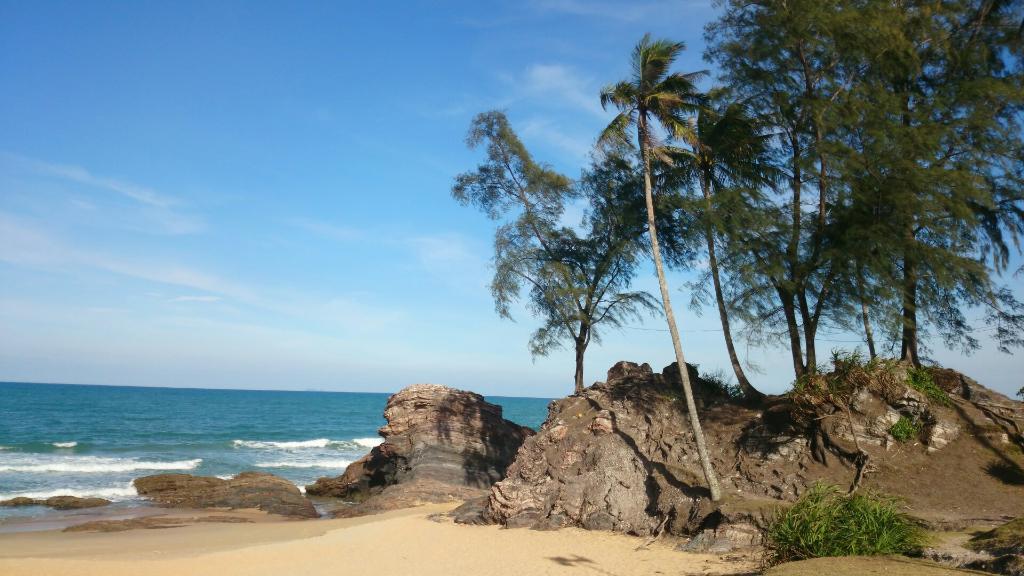 Awang's Beach