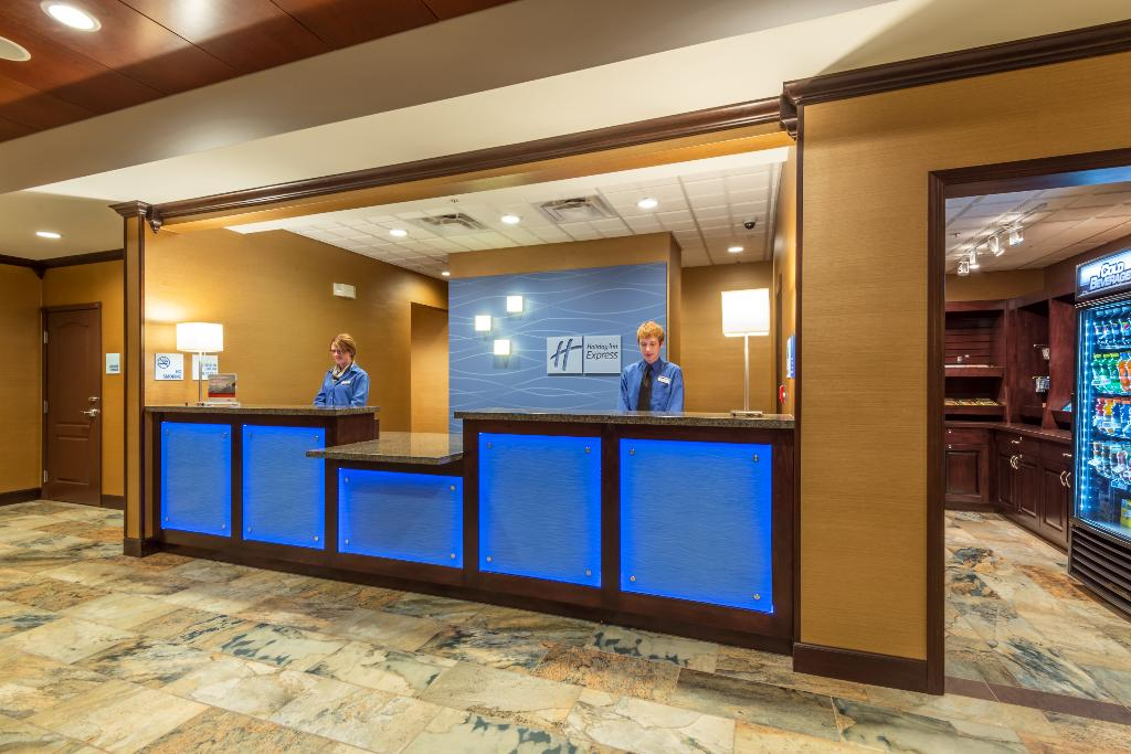 Holiday Inn Express & Suites Butte