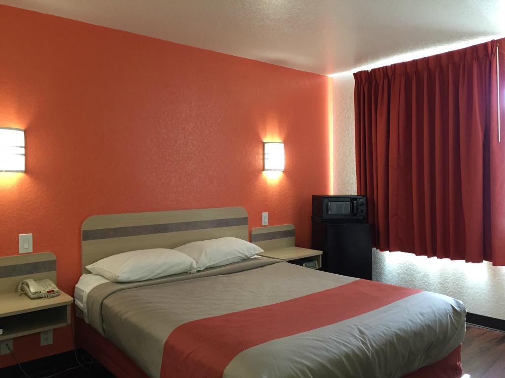 Motel 6 San Antonio - SeaWorld North
