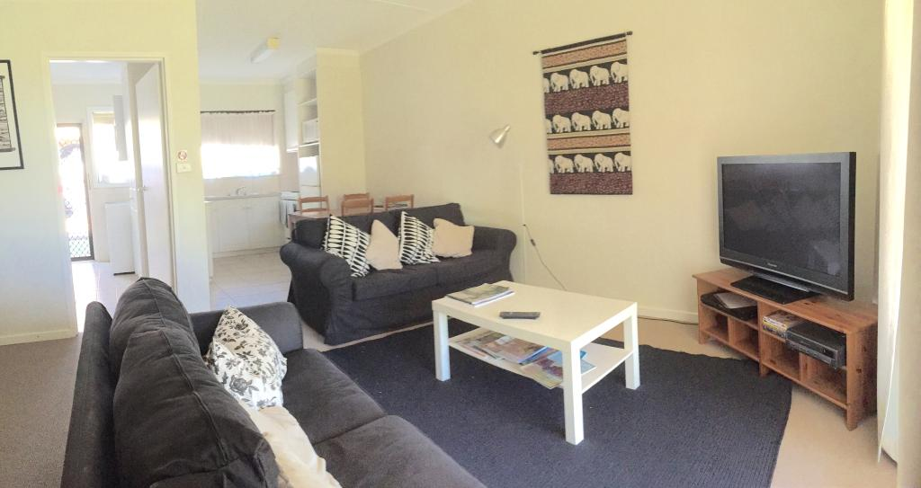 Camelia Court Holiday House & Apartments