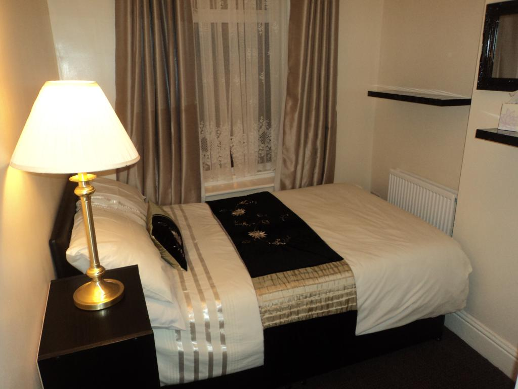 Ardern Hotel