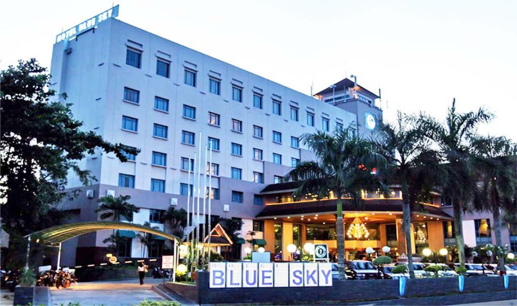 ブルー スカイ ホテル