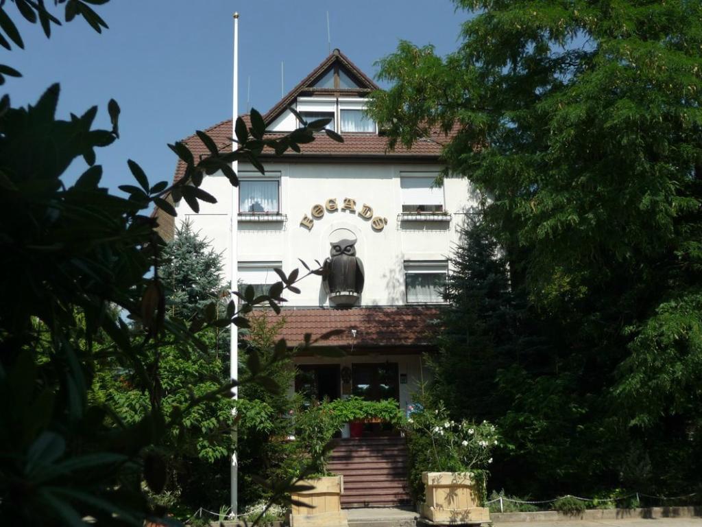 Bagoly Inn