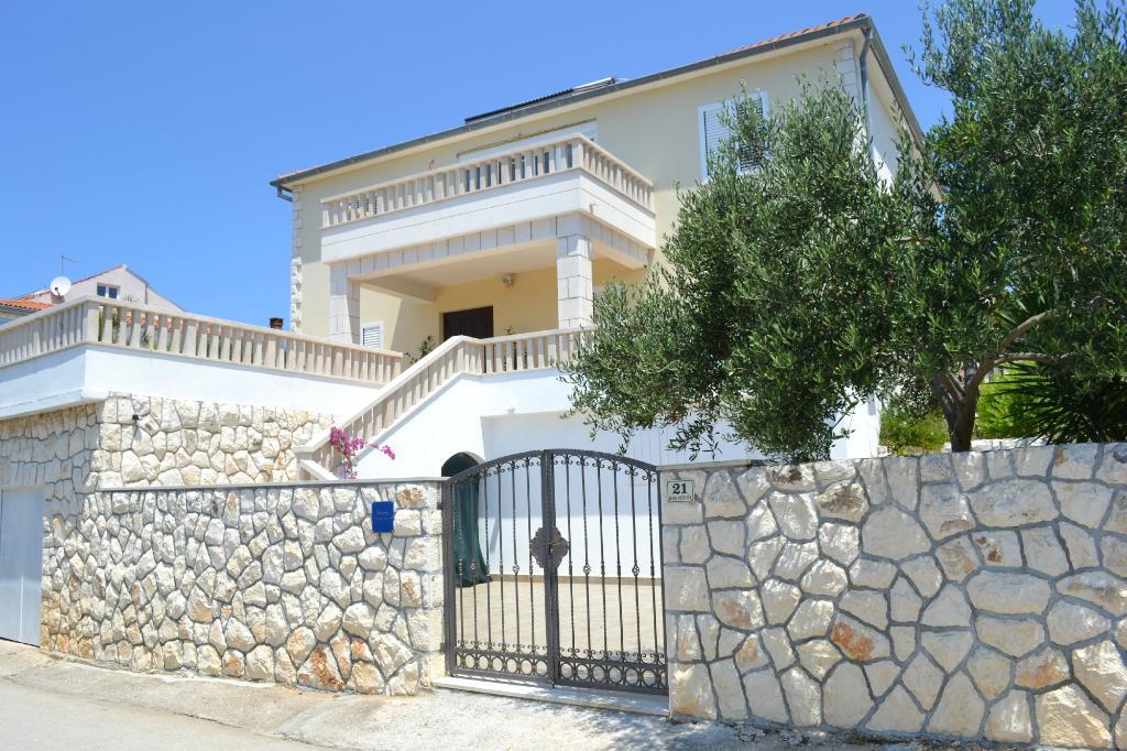 Apartments Butorovic
