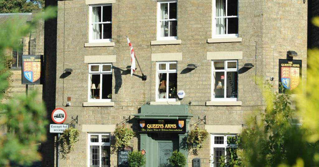 Queens Arms Country Inn