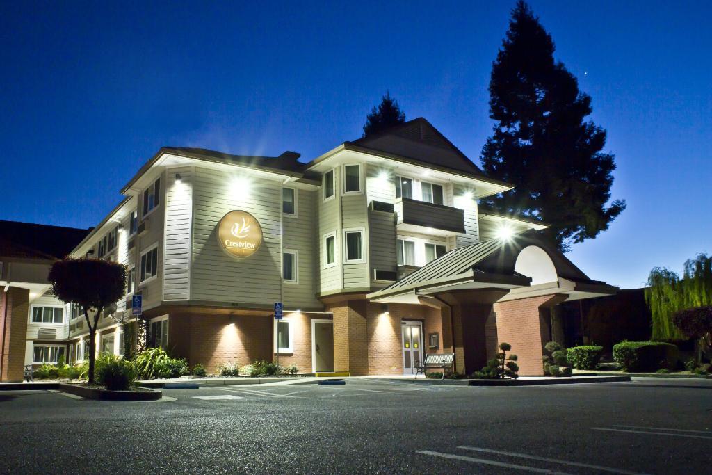 クレストビュー ホテル