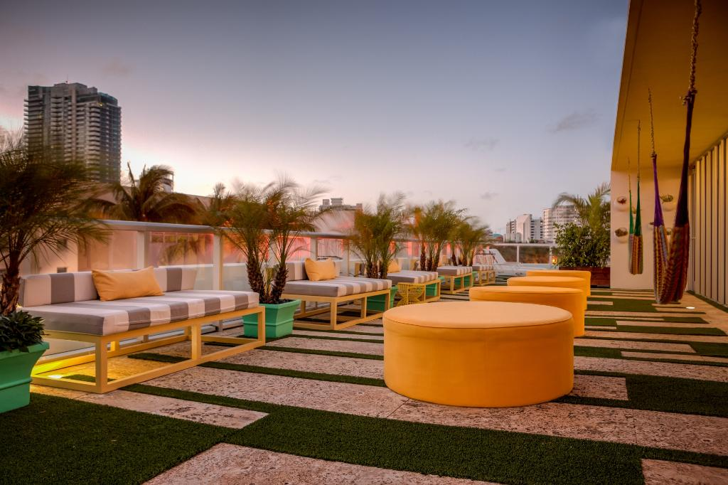 Vintro Hotel South Beach, Curio Collection by Hilton