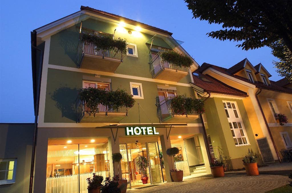 Landgasthof Hotel am Marktplatz Wratschko