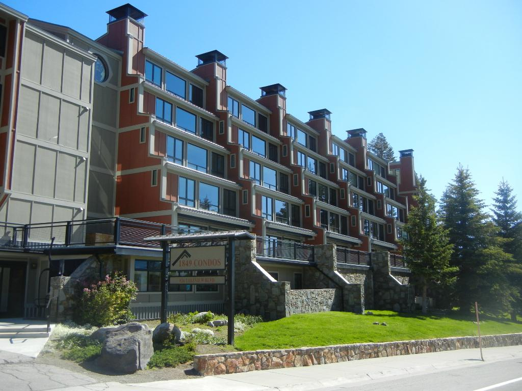 ‪1849 Condos at Canyon Lodge‬