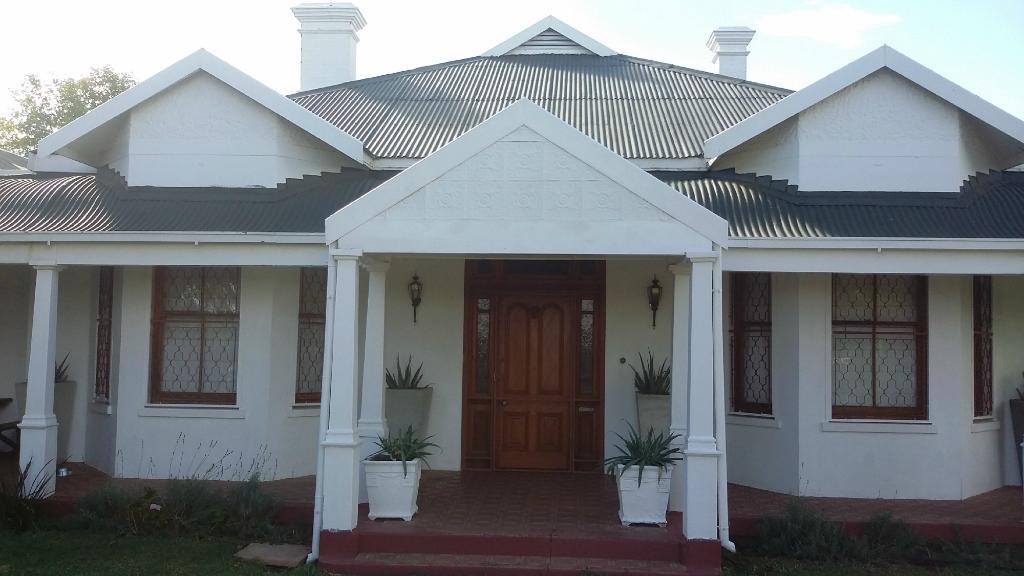 44 Memorial Manor