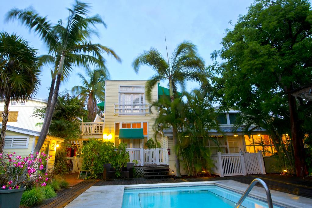 Merlin Guest House Key West