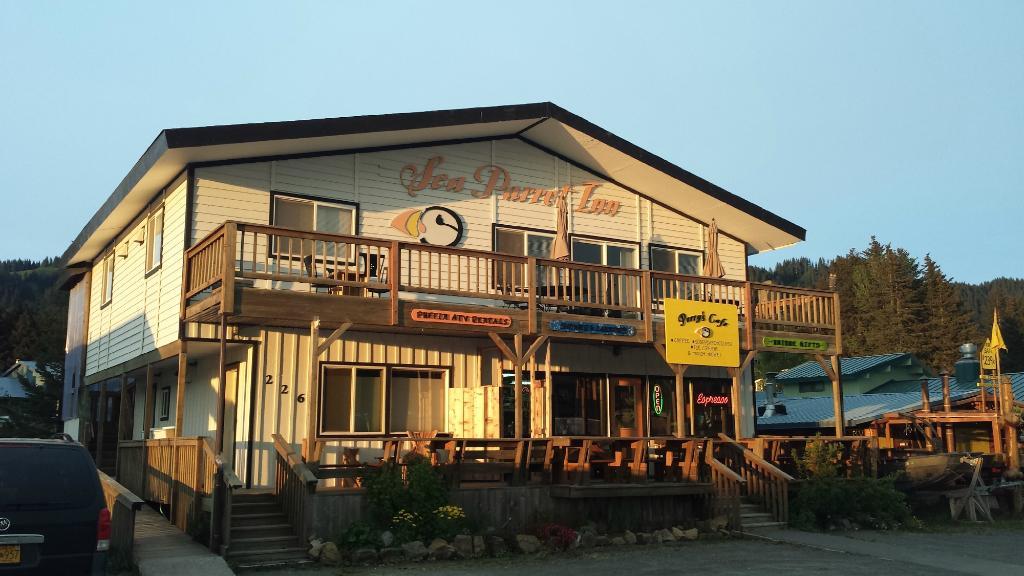 Sea Parrot Inn