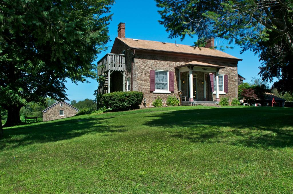 Maxwell Creek Inn Bed & Breakfast