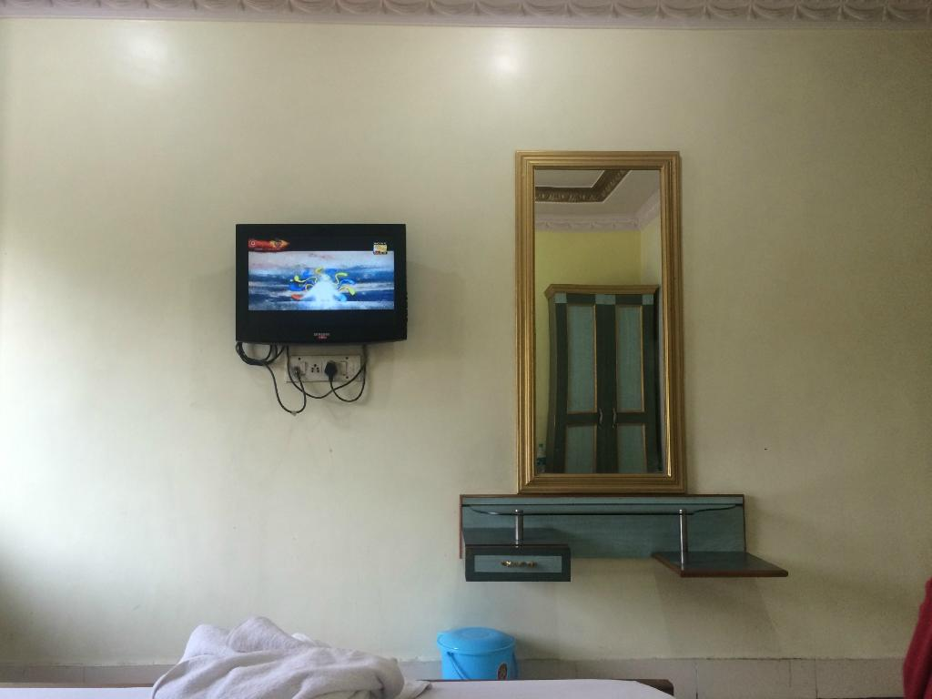 Hotel Parbati International