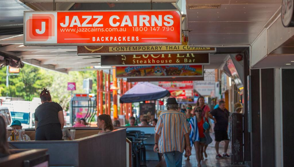 ‪Jazz Cairns Backpackers‬