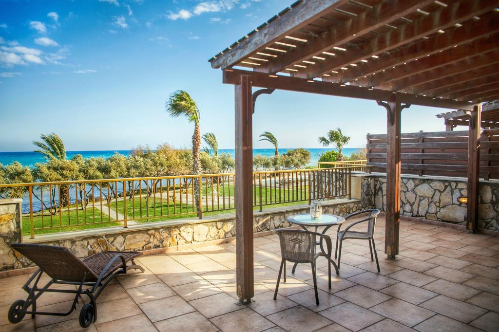 Elya Beach Luxury Suites